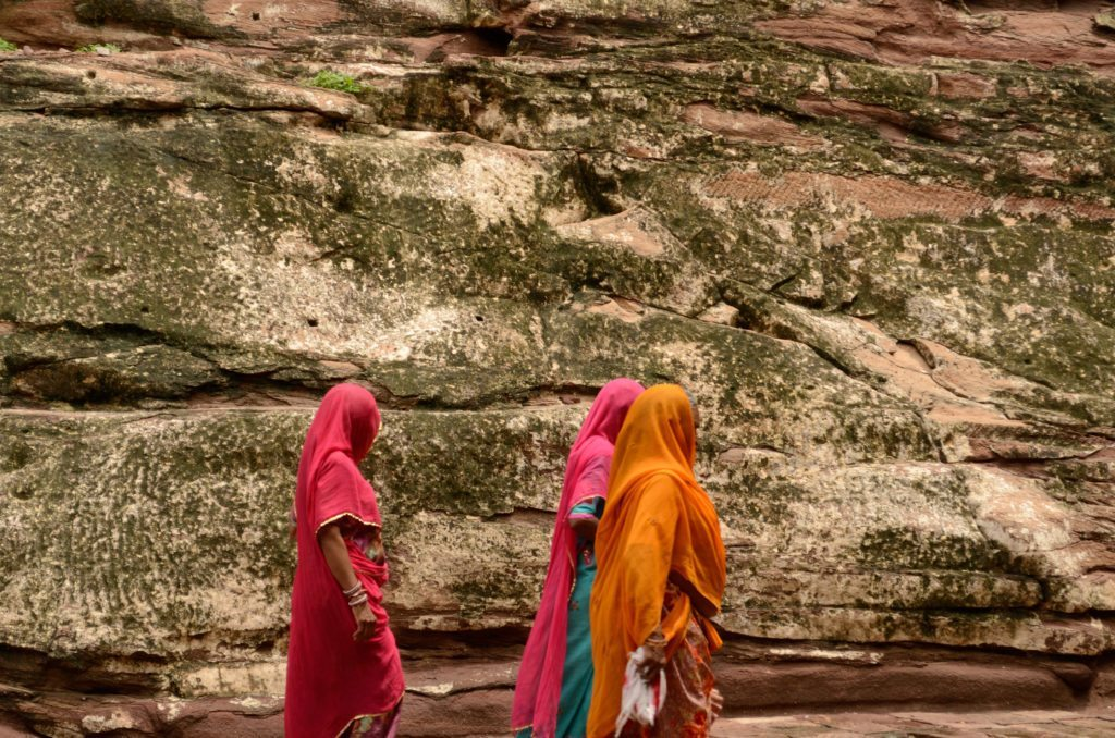 Photos of Rajasthan women in traditional colourful clothes,  Mehrangarh Jodhpur