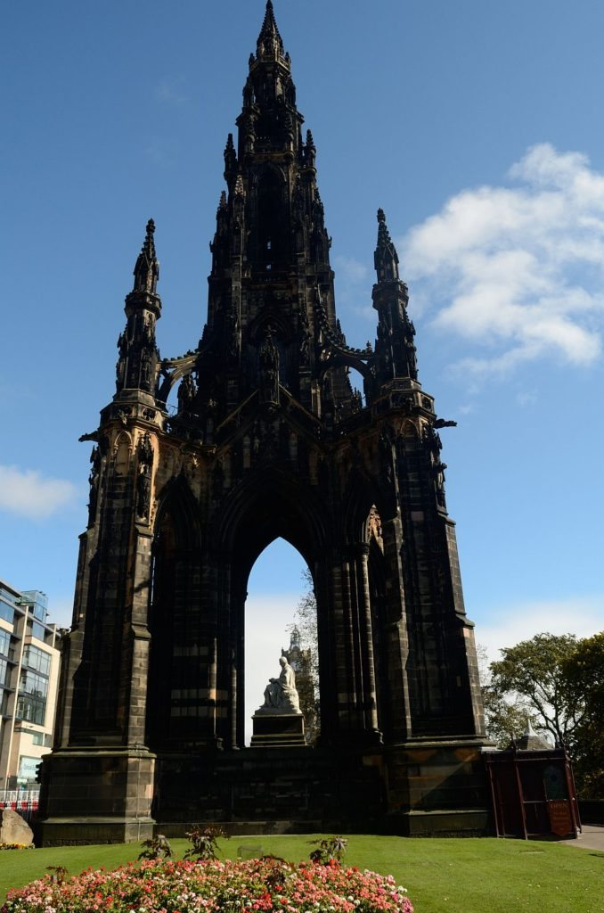 Edinburgh Scotts Monument, Edinburgh literary town, Sir Walter Scott, 48 hours in edinburgh, best places in edinburgh, top things to do in edinburgh, places to see in edinburgh