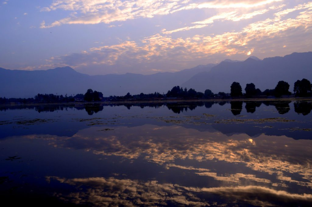 Sunrise Nagin Lake Srinagar Kashmir, cities to visit in india, top cities to visit in india