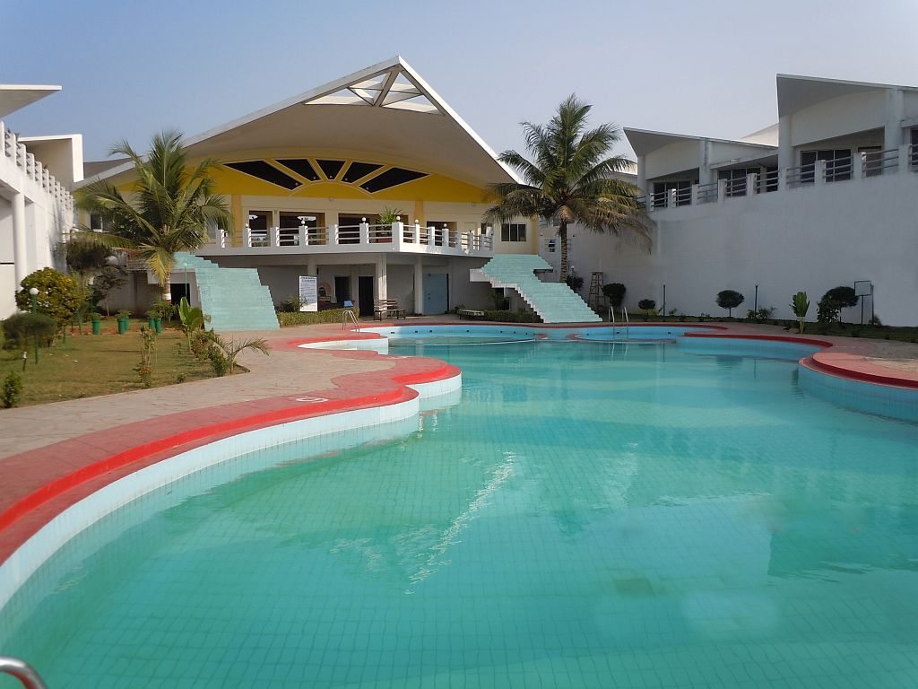 Puri - Golden Sands, Poolside