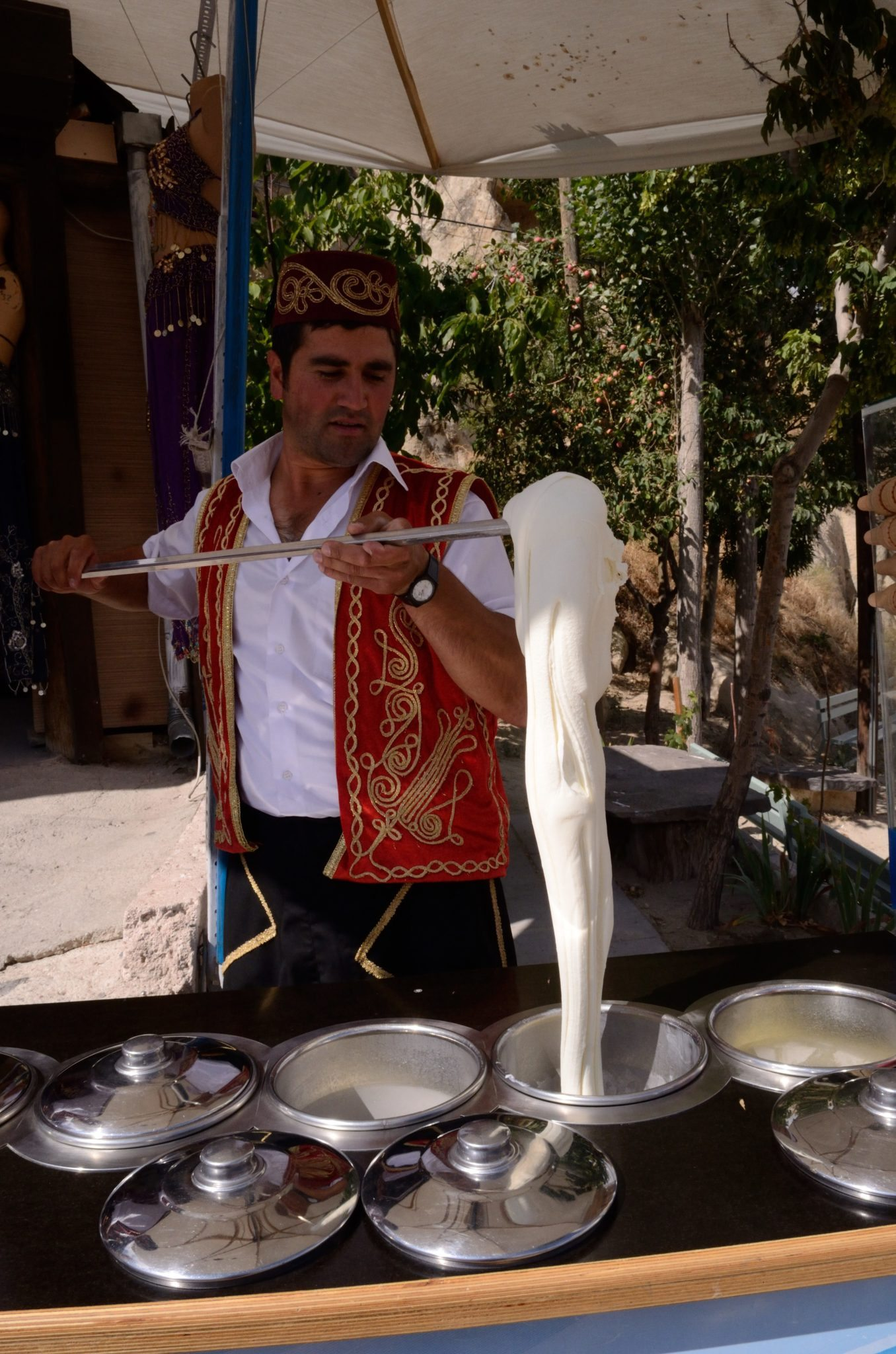 turkish ice cream market The turkish ice cream vendor in turkey, there are many opportunities to introduce your palette to new and exciting tastes the cuisine is widely praised around the world for its diversity and one culinary item to try is traditional turkish ice cream.