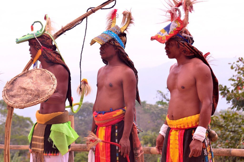 caci dance, traditional dance in Indonesia, Indonesian dance