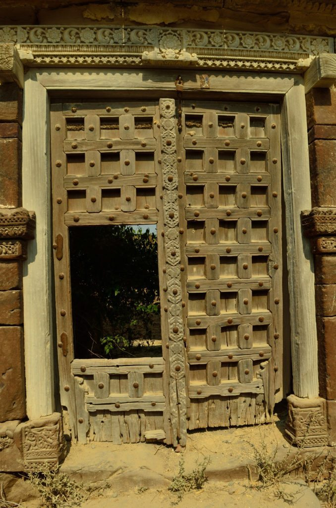 A door in Lakhpat