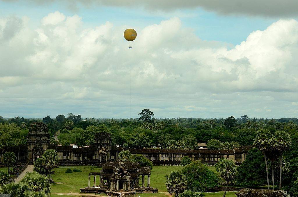 Hot air balloon ride in Angkor Wat
