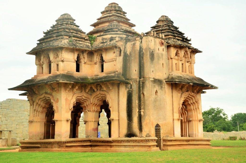 Lotus Mahal in Hampi, The palaces of queens and nobles