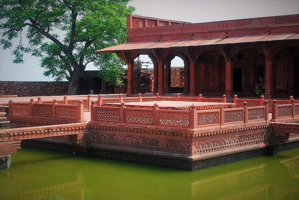 places to visit in Fatehpur Sikri, history of Fatehpur Sikri, Agra to Fatehpur Sikri distance