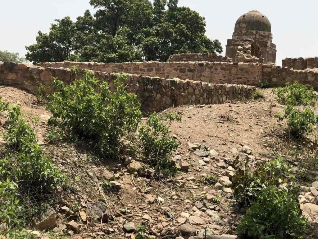Bhangarh Fort Rajasthan, story of Bhangarh Fort, most haunted place in India, ghost towns in India, top ten haunted places in India